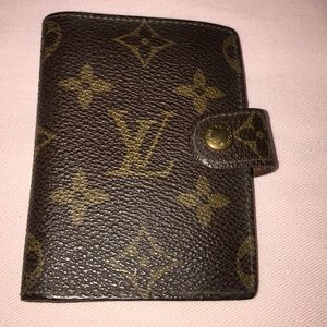Small Louis Vuitton credit card holder